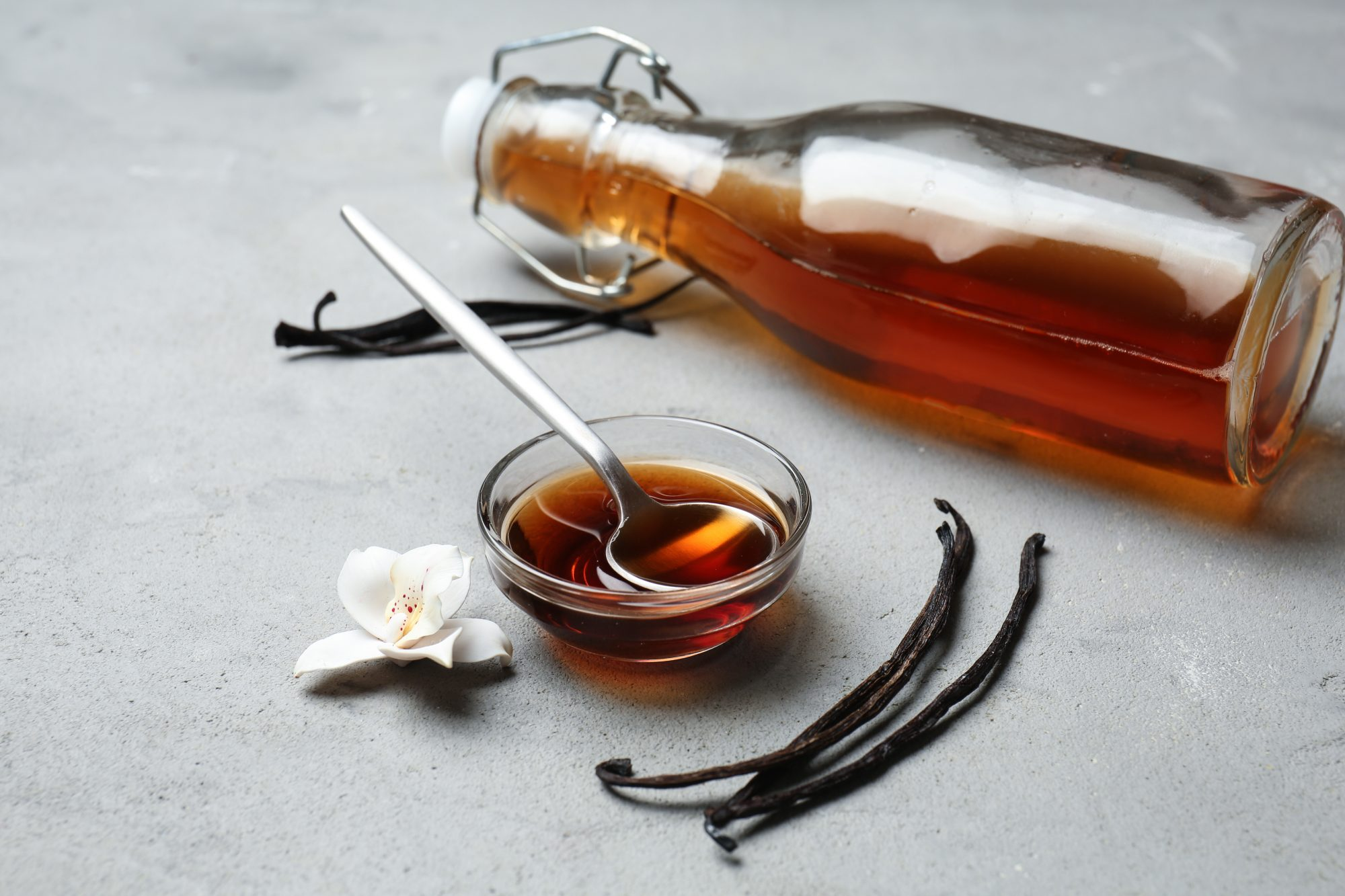 hot-chocolate-ingredients vanilla extract